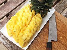 20140522-pineapple-knife-skills-15.jpg