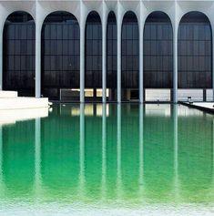 Mondadori Palace - Oscar Niemeyer