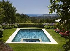 Outstanding Traditional Villa with Open Spaces Ideas : Fancy European Villa Courtyard With Swimming Pool Green Lawn