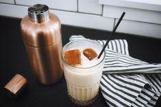 Homemade Iced Chai Latte Recipe - The Tennille Life Iced Chai Latte Recipe, Iced Chai Tea Latte, Chai Recipe, Pretty Good, Healthy Recipes, Healthy Food, Food Videos, Panna Cotta, Homemade