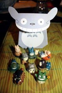 Free printable DIY Totoro favor/gift box.