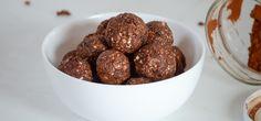 Snackt ihr gerne mal? Diese selbstgemachten Chocolate Peanut Butter Energy Bites sind wirklich der perfekte Snack für zwischendurch!