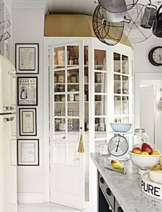 Lifestyle guru LEILA LINDHOLM – known as the Swedish Nigella – has softened the edges of trad Scandi design in her picture-postcard wood-clad home Old Kitchen Tables, Kitchen Dining, Kitchen Decor, Pantry Inspiration, Interior Inspiration, Midcentury Modern, Clad Home, Casa Cook, Kitchen Pantry