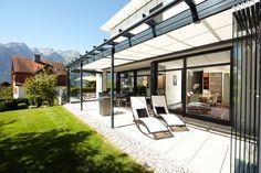 Terrassenüberdachungen - SDL Atrium plus Atrium, Patio House Ideas, Nana Wall, Glass Wall Systems, Solar, Glass Room, Folding Doors, Home Decor Inspiration, Canopy