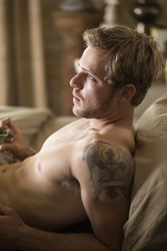 Hubba hubba. Max Thieriot with his shirt off again.