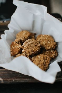 It's #TreatTuesday and who doesn't appreciate a DELICIOUS cookie recipe?! 😍 These babies are low in fat AND high in protein! 🙌 Win, win for all! Tap on the image to grab our secret ingredient! 🌱 1 cup old fashioned oats ½ cup almond flour 1 scoop IdealRaw Vanilla Protein ¼ cup unsweetened coconut flakes ½ tsp baking soda ½ tsp baking powder 1 tsp ground cinnamon ¼ tsp salt ½ cup peanut butter ½ cup coconut sugar 2 tbsp coconut oil, melted 1 tsp vanilla extract 1 tbsp ground flaxseed mixed…