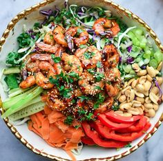 Delicious Thai Shrimp Salad w/ Peanut Dressing | Healthy Recipes | laceandgraceblog.com