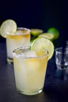 The ultimate Cadillac margarita recipe! What makes it an ultimate? The premium ingredients, of course! And the delicious balance of flavors! Many people attest that this is the best margarita ever! This ultimate Cadillac margarita Ultimate Margarita Recipe, Fresh Margarita Recipe, Margarita Drink, Patron Margarita Recipe, Best Cadillac Margarita Recipe, Best Margarita Recipe With Grand Marnier, Grand Marnier Margarita, Frozen Margarita Recipes, Sipping Tequila