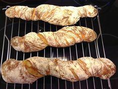 Kalljästa surdegsbaguetter   Gunilla Sausage, Recipies, Tasty, Bread, Food, Crafts, Diy, Breads, January