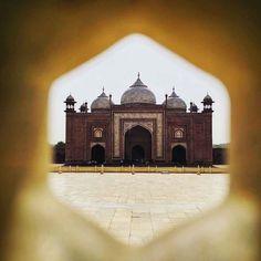 by @thetravelshow #mytajmemory #IncredibleIndia #tajmahal  Guesthouse in Taj Mahal Agra #photooftoday #photographer #photo #photography #wanderlust2016 #wanderlust #wondersoftheworld #igers #india #instapic #instacool #igersindia #travel #tajmahal #traveller #travelgram #travelling #thetravelshow #architecture #agra #architecturelovers #architecturephotography