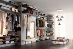 Organising space with elegance and efficiency, this is Novenove Walk-in Closet by Officinadesign Lema. The modules, available in a wide Walk In Wardrobe, Wardrobe Design, Walk In Closet, Dressing Angle, Grand Dressing, Armoire Dressing, Dressing Design, Wardrobe Systems, Luxury Italian Furniture