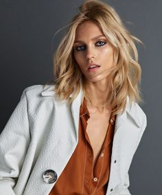 Top model Anja Rubik is styled in tailored menswear-inspired silhouettes by Ada Kokosar. Hunter & Gatti are in the studio for Vogue Portugal June Hair by Paco Garrigues; makeup by Frankie Boyd Anja Rubik, Alexa Collins, Daniela Lopez Osorio, Celebrity Photos, Celebrity Style, Vogue Portugal, Mode Editorials, Fashion Editorials, Vogue Magazine