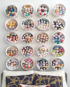 A Beautiful Tsum Tsum Display Idea Playroom Ideas Arte Bookshelf Storage, Bookshelves Kids, Bedroom Storage, Diy Storage, Storage Baskets, Secret Storage, Tsum Tsum Display Ideas, Disneyland, Figurine Disney