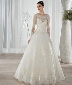 style 641 (Vestido de Noiva). Estilista: Demetrios Bride. ...