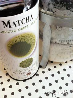 A Simply Raw Life: MATCHA GREEN TEA LATTE WITH ALMOND MILK