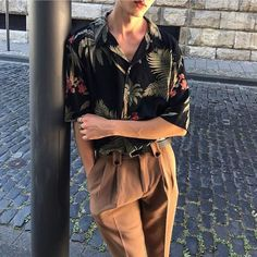 Korean Fashion Trends you can Steal – Designer Fashion Tips Queer Fashion, Androgynous Fashion, Fashion Outfits, Fashion Tips, Androgynous Girls, Fashion Vest, Tomboy Outfits, Fashion Articles, Mens Fashion