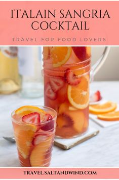 This peach sangria is ultra refreshing and beautiful to look at, featuring white wine, brandy, and a load of sweet fruit. Perfect for entertaining! Italian Sangria Recipe, Italian Drinks, Italian Recipes, Sangria Cocktail, Peach Sangria, Cocktail Recipes, Sangria Wine, Chutneys, Comida Baby Shower