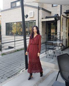 Pin on Wardrobe Pin on Wardrobe Long Skirt Fashion, Modest Fashion, Fashion Dresses, Apostolic Fashion, Hijab Fashion, Trendy Dresses, Modest Dresses, Modest Outfits, Korean Girl Fashion