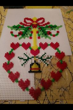 Hama Beads Design, Diy Perler Beads, Perler Bead Art, Pearler Bead Patterns, Perler Patterns, Christmas Toys, Christmas Decorations, Christmas Perler Beads, Peler Beads
