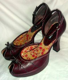 ~~ Super Cute Bongo Shoes ~  Red Strappy Peep Toe Heels! Size 8 ~~