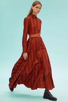 Alaïa Fall 2019 Ready-to-Wear Fashion Show Collection: See the complete Alaïa Fall 2019 Ready-to-Wear collection. Look 15 Fashion Week, Love Fashion, Runway Fashion, Autumn Fashion, Fashion Looks, Fashion Outfits, Fashion Design, Fashion Show Collection, Vogue Paris