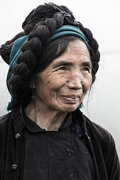 This lady is from the Ha Nhi ethnic group (Northern Vietnam) by Réhahn Photography