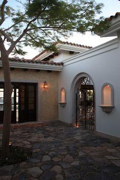 hacienda - courtyard - like the gate. just add plants :) Mediterranean Style Homes, Spanish Style Homes, Spanish House, Hacienda Homes, Hacienda Style, Courtyard Design, Courtyard House, Style At Home, Mexico House