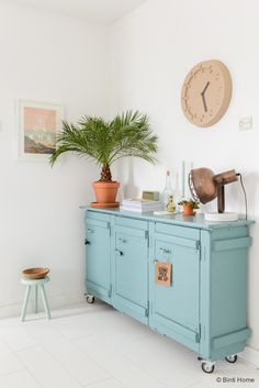 Interior design and photography Zuiver Pulp Time Clock Fonq © BintiHome Source by nkoolen Furniture Makeover, Diy Furniture, Casa Top, Deco Pastel, Diy Home Decor, Room Decor, Deco Design, New Room, Home Decor Inspiration