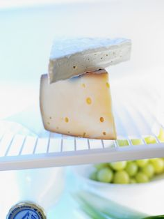 Contain your favorite stinky cheese's funk.