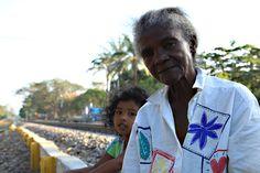 Abuela que me cuenta las historias de Aracataca