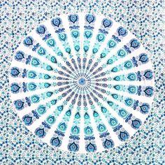 Mantas mandala várias cores e modelos.  Por R$ 7990  Peça a sua pelo nosso Whatsapp: 13982166299  Colchas em algodão estampadas manualmente no processo de block print ideais para decoração de paredes como colcha de cama ou até mesmo cangas.