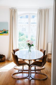 An Eclectic, Happy Apartment in Paris — House Tour