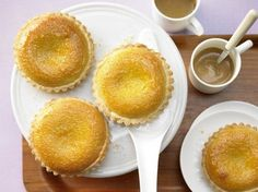 The French-Style Almond Tart recipe out of our category Tartlet! EatSmarter has over healthy & delicious recipes online. Top Dessert Recipe, Dessert Recipes, Almond Tart Recipe, No Bake Treats, Tart Recipes, Eat Smarter, Fun Desserts, Awesome Desserts, Great Recipes