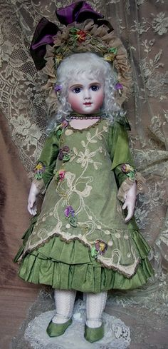 A12T - Emily Hart Dolls - love this costume