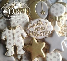 ***Please contact me prior to placing your order to be sure that I have availability for your date.*** **The price posted on this listing is for one dozen (12) beautifully decorated and delicious Twinkle Twinkle Little Star themed cookies.** **Please note: there is a minimum order