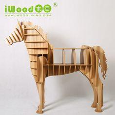 Attrayant [Equestrian Lifestyle] IWOODLIVING Transforme Le Cheval En Bureau !