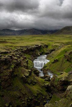 Skogafoss, Iceland, by Guilhem DE COOMAN,  http://www.gdecooman.fr