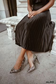 Add a touch of glam with Stessy in gold glitter leopard print. Shop these stiletto high heels in a wide array of colors and finish off 2019 in style. Dressy Outfits, Aldo Shoes, High Heels Stilettos, Second Skin, Gold Glitter, Midi Skirt, High Waisted Skirt, Footwear, Touch