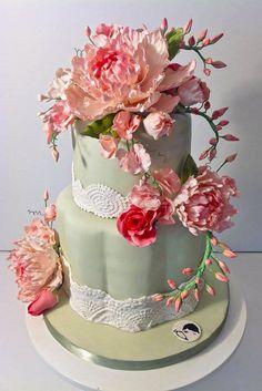 elaborate fondant flower wedding cakes 2