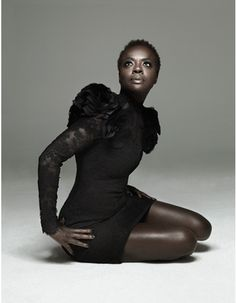 Viola Davis looks amazing - I didn't realize she was rocking a natural.  Leave the wigs alone girl!