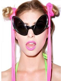 Alien-Eyed Sunglasses - Dolls Kill's Extraterrestrial Sunglasses are Out of This World