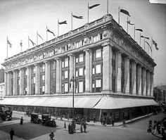 Selfridge's Department Store in Oxford Street is photographed here soon after it opened in Photographed by Harry Bedford Lemere in May Vintage London, Old London, Mr Selfridge, Selfridges London, London Architecture, London History, English Heritage, Beautiful Buildings, Department Store