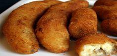 Banana a molaneza      Bater os ovos com o leite, reserve. Descasque as bananas,em seguida passe na farinha de trigo, depois no leite batido com os ovos. Por último passe na farinha de rosca e frite no óleo bem quente até ficar dourada.
