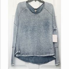 Free people kint. NEW Linen/viscose/rayon Hand wash Imported Round neck, dropped shoulders, long sleeves, allover fading Contrast trim and seaming detail, rounded hem, pullover style Free People Tops Tees - Long Sleeve