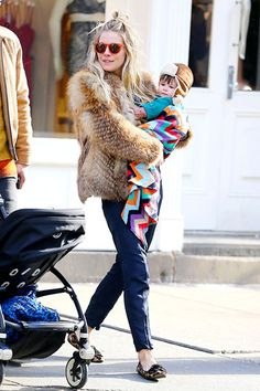Chic New Moms: Notes on Style for the Duchess - Sienna Miller