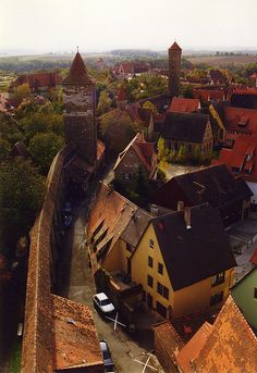 medievallove:    Rothenburg medieval fortification, Germany.  bymbell1975on Flickr.