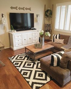 Get inspired with living room ideas and photos for your home refresh or remodel. Wayfair offers thousands of design ideas for every room in every style. New Living Room, Home And Living, Living Room Decor, Small Living, Family Room Design, Cozy House, Apartment Living, Sweet Home, Interior Design
