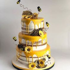 50 Most Beautiful looking Bee Cake Design that you can make or get it made on the coming birthday. Bee Birthday Cake, Bumble Bee Birthday, Birthday Ideas, 1st Birthday Party For Girls, Birthday Party Themes, Birthday Gifts, Bee Cakes, Cupcake Cakes, Bumble Bee Cake