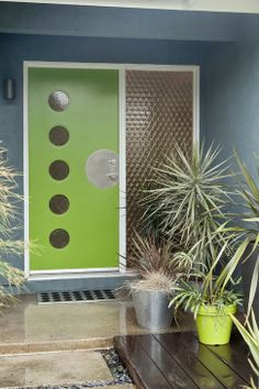 Colorful Mid Century Modern Residence - midcentury - Entry - San Francisco - Kropat Interior Design - green door with blue walls, circular windows Mid Century Modern Door, Mid Century Exterior, Mid Century Decor, Mid Century House, Mid Century Modern Design, Midcentury Modern Front Door, Modern Mailbox, Door Design Photos, Modern Exterior Doors