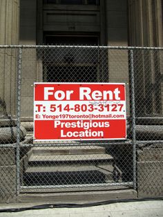 The chain link fence and sharpie screams prestigious.  #RealEstate #Humor